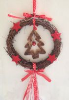 Nordic Rattan Wreath with Pine Cones & Hanging Ribbons ~ Christmas Tree